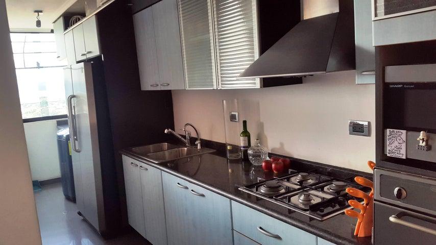 Apartamento Aragua>Maracay>Bosque Alto - Venta:513.000.000 Bolivares Fuertes - codigo: 17-11682