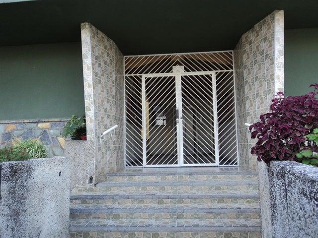 Apartamento Distrito Metropolitano>Caracas>Montecristo - Venta:3.231.000.000 Bolivares Fuertes - codigo: 17-11873