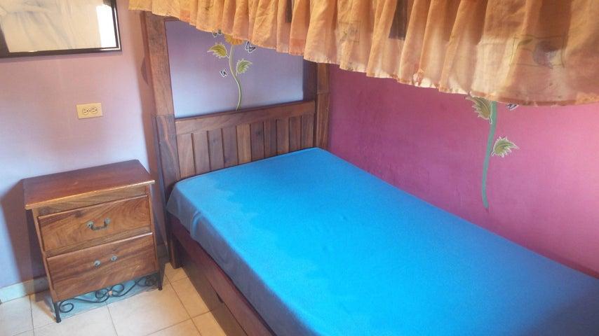 Apartamento Carabobo>Municipio Naguanagua>Casco Central - Venta:10.000 US Dollar - codigo: 17-11875