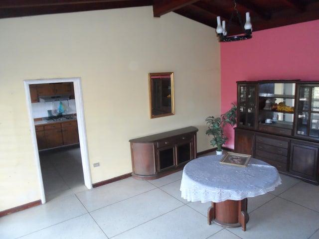 Casa Miranda>Los Teques>Macarena Sur - Venta:17.769.000.000 Bolivares - codigo: 17-11908