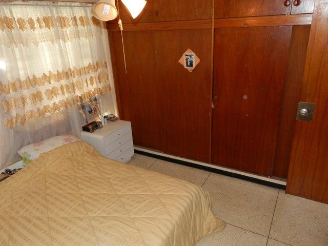 Apartamento Distrito Metropolitano>Caracas>El Cafetal - Venta:65.000 Precio Referencial - codigo: 17-12086