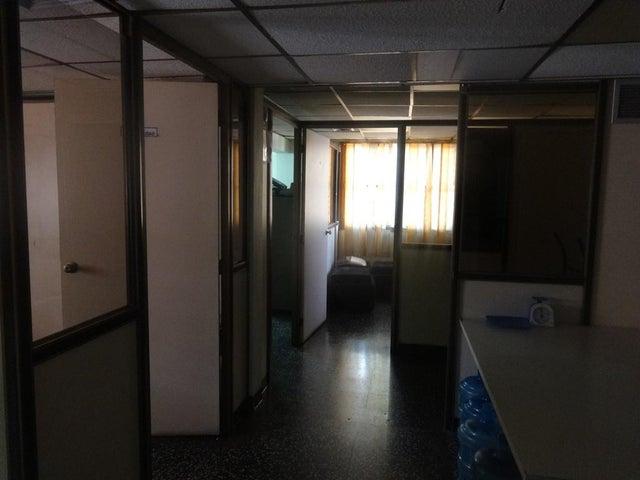 Edificio Zulia>Maracaibo>Tierra Negra - Venta:87.690.000.000 Bolivares - codigo: 17-12362
