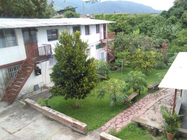 Casa Yaracuy>San Felipe>San Felipe - Venta:57.116.000.000 Precio Referencial - codigo: 17-12396