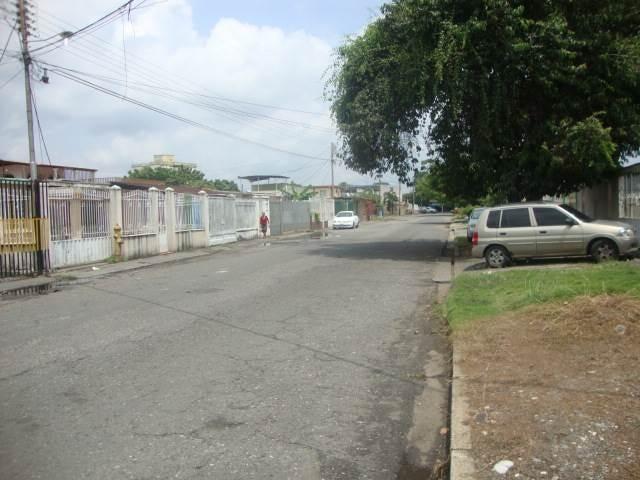 Casa Portuguesa>Acarigua>La Goajira - Venta:2.763.000.000 Bolivares - codigo: 17-12473