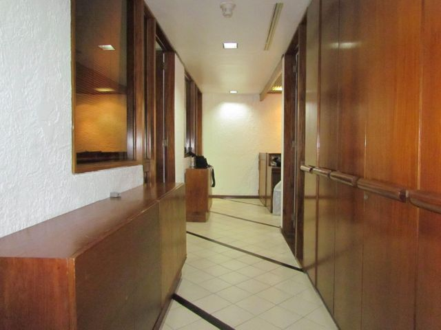 Oficina Distrito Metropolitano>Caracas>Chuao - Alquiler:219.000.000 Bolivares - codigo: 17-12532