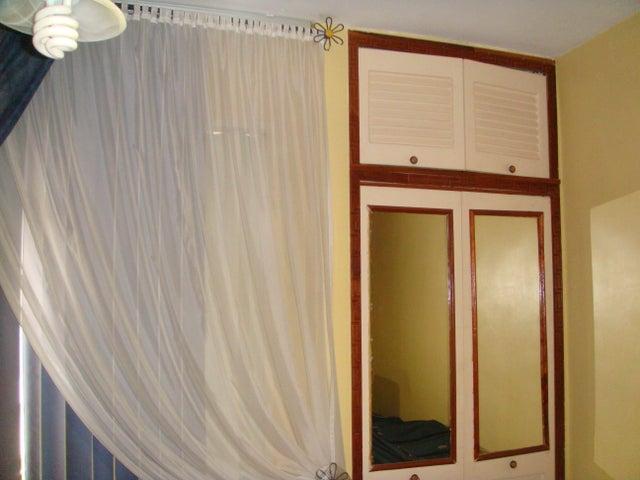Apartamento Distrito Metropolitano>Caracas>El Marques - Venta:65.000 Precio Referencial - codigo: 17-12661