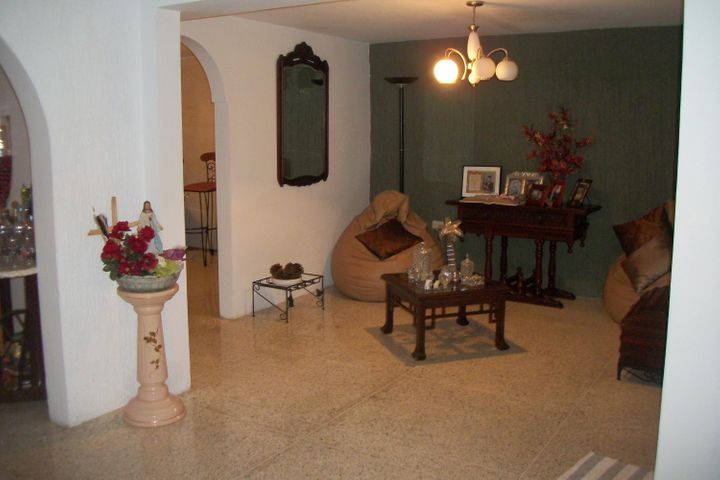 Townhouse Zulia>Ciudad Ojeda>Tamare - Venta:45.000 US Dollar - codigo: 17-12885