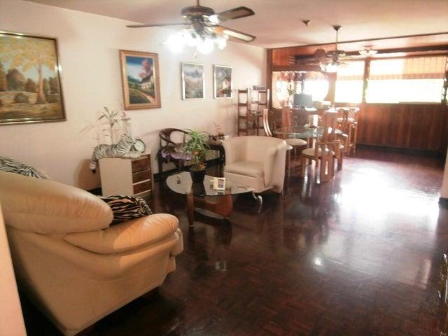 Apartamento Distrito Metropolitano>Caracas>Colinas de Bello Monte - Venta:204.667.000.000 Precio Referencial - codigo: 17-12870