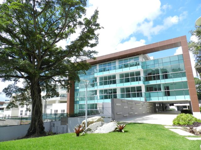 Apartamento Distrito Metropolitano>Caracas>Altamira - Venta:425.000 Precio Referencial - codigo: 16-6376
