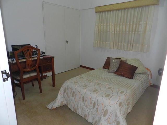 Apartamento Distrito Metropolitano>Caracas>Santa Rosa de Lima - Venta:110.000 Precio Referencial - codigo: 17-13244