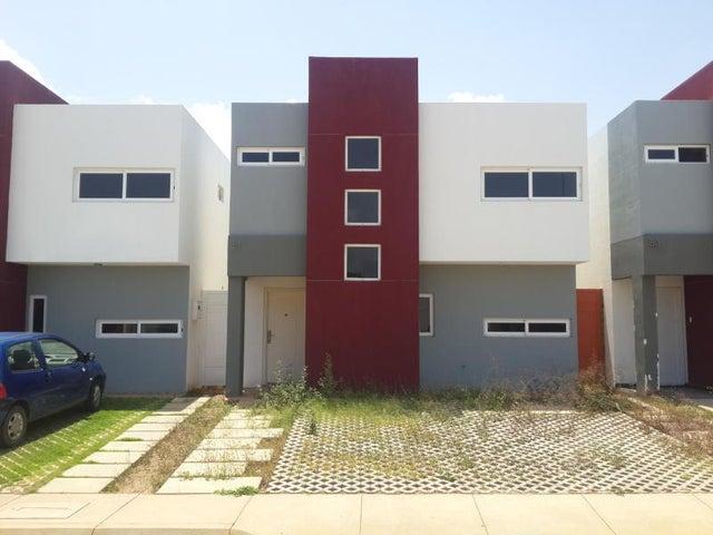 Townhouse Falcon>Coro>Terraluna - Venta:32.000 Precio Referencial - codigo: 17-13140