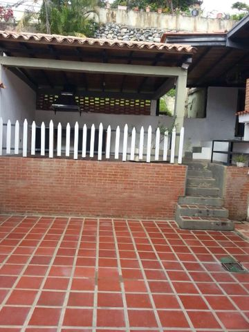 Casa Distrito Metropolitano>Caracas>Piedra Azul - Venta:119.795.000.000 Precio Referencial - codigo: 17-13161