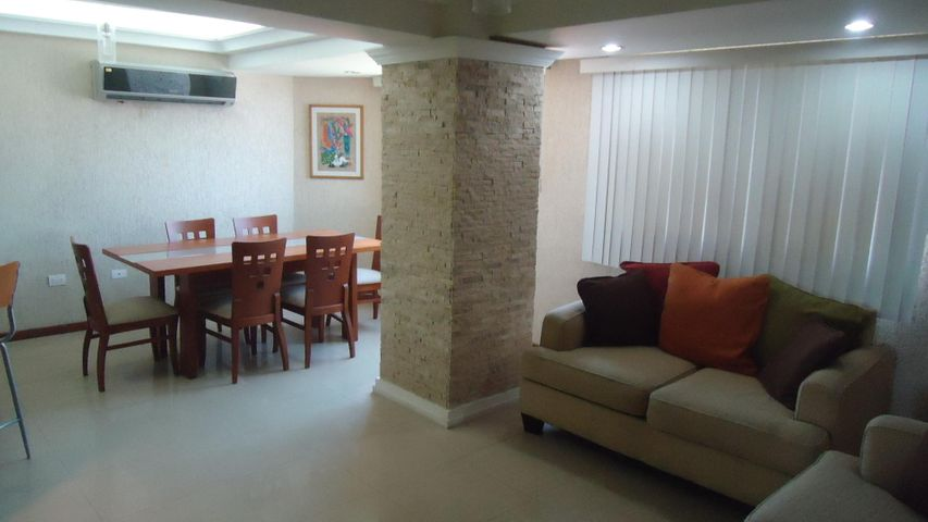Apartamento Anzoategui>Lecheria>Calle Arismendi - Venta:8.225.000.000 Bolivares Fuertes - codigo: 17-13238