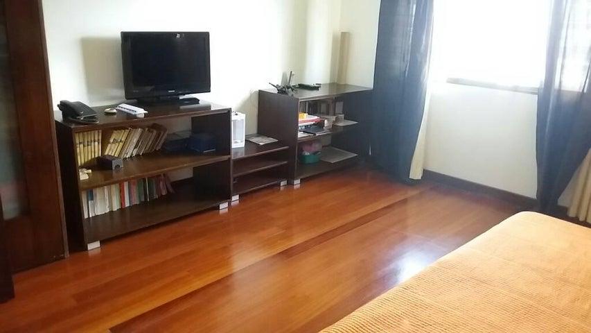 Apartamento Distrito Metropolitano>Caracas>El Cafetal - Venta:350.000 Precio Referencial - codigo: 17-13723