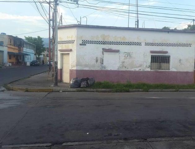 Casa Aragua>Maracay>San Jose - Venta:632.500.000 Bolivares - codigo: 17-13330