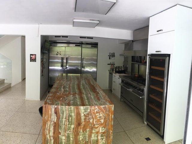 Casa Distrito Metropolitano>Caracas>Santa Marta - Venta:385.000  - codigo: 17-13336
