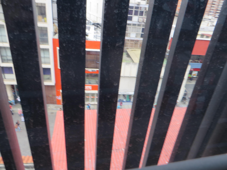 Local Comercial Distrito Metropolitano>Caracas>Sabana Grande - Venta:3.723.000 Precio Referencial - codigo: 17-13345