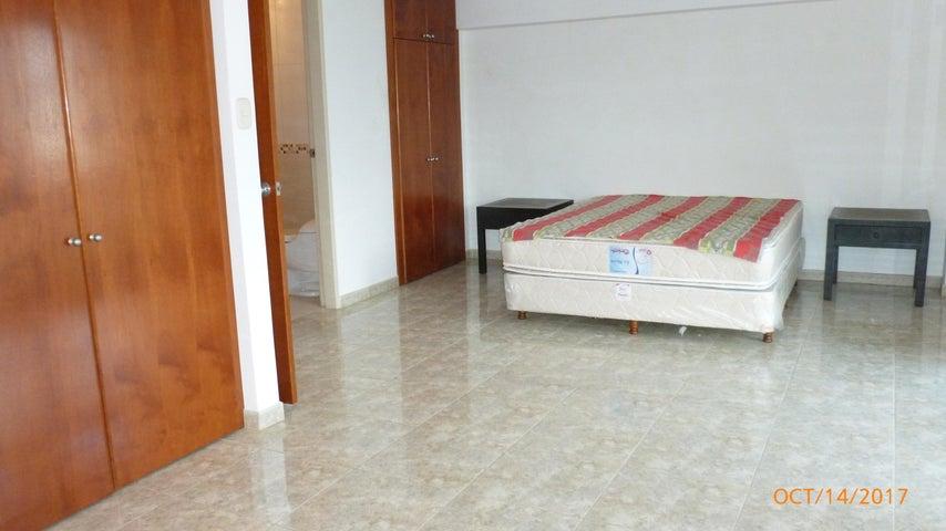Apartamento Distrito Metropolitano>Caracas>Colinas de Bello Monte - Venta:73.287.000.000 Precio Referencial - codigo: 18-351