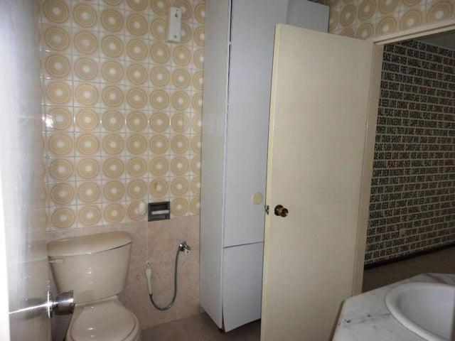 Apartamento Distrito Metropolitano>Caracas>Prados del Este - Venta:60.000 Precio Referencial - codigo: 17-13429
