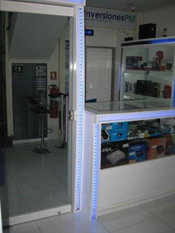 Local Comercial Aragua>Maracay>Avenida Bolivar - Venta:10.000 US Dollar - codigo: 17-13203