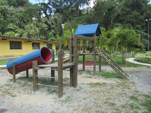 Apartamento Distrito Metropolitano>Caracas>Parque Caiza - Venta:5.884.000.000 Bolivares Fuertes - codigo: 17-13510