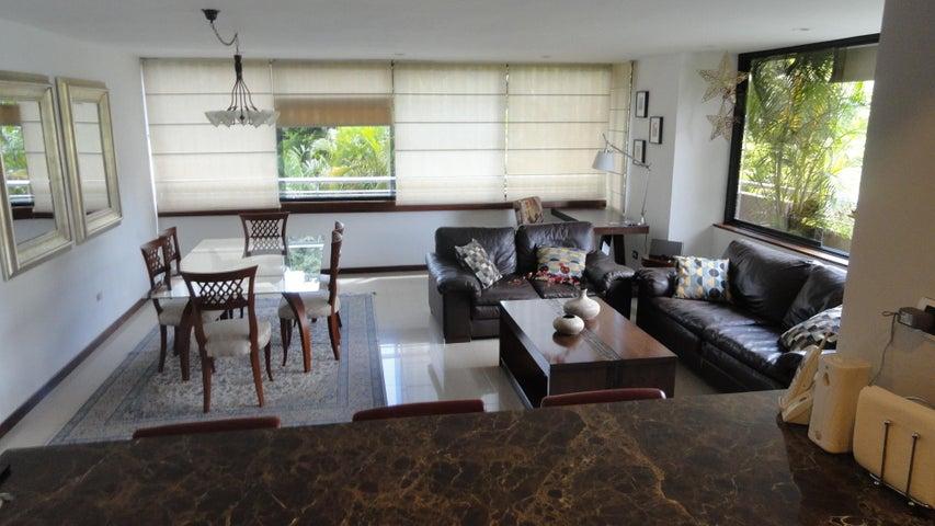 Apartamento Distrito Metropolitano>Caracas>La Boyera - Venta:70.000 US Dollar - codigo: 17-13595