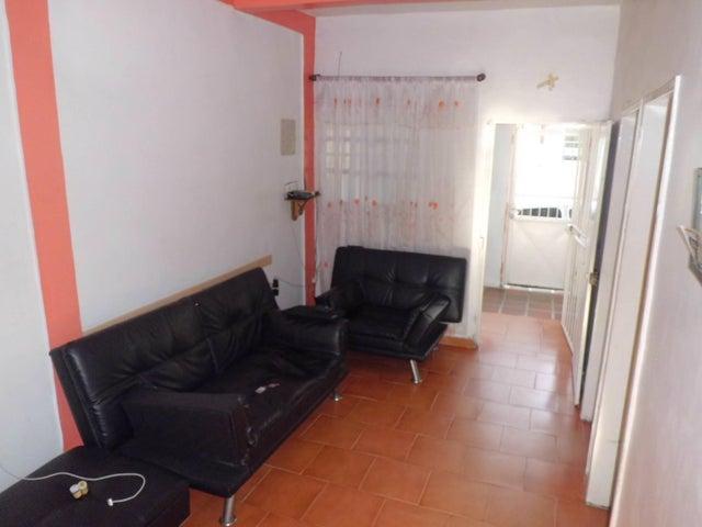 Casa Carabobo>Valencia>Barrio Bello Monte - Venta:4.950.000.000 Precio Referencial - codigo: 17-13546