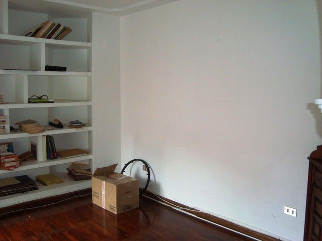 Apartamento Distrito Metropolitano>Caracas>Colinas de Valle Arriba - Venta:250.000 Precio Referencial - codigo: 17-13993