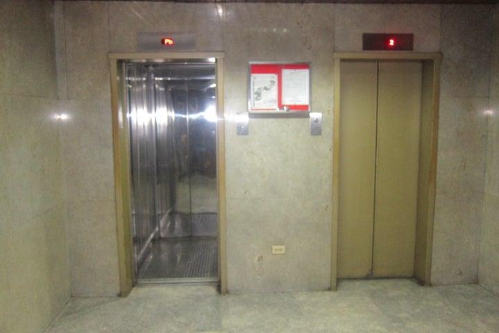 Apartamento Distrito Metropolitano>Caracas>Parroquia La Candelaria - Venta:25.000 Precio Referencial - codigo: 17-13724