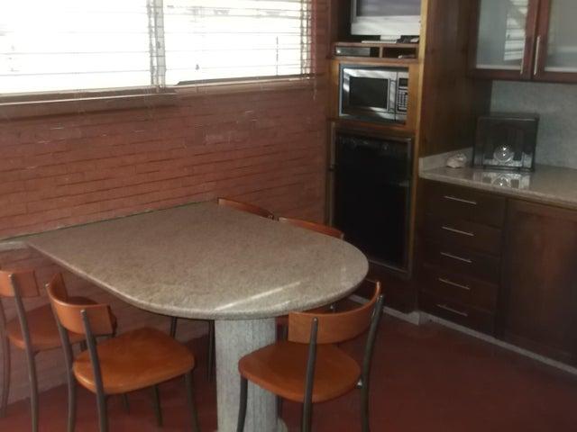 Casa Distrito Metropolitano>Caracas>La Boyera - Venta:250.000 Precio Referencial - codigo: 17-13719