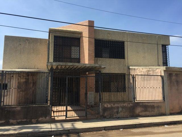 Galpon - Deposito Zulia>Ciudad Ojeda>Intercomunal - Venta:500.000 US Dollar - codigo: 17-13786