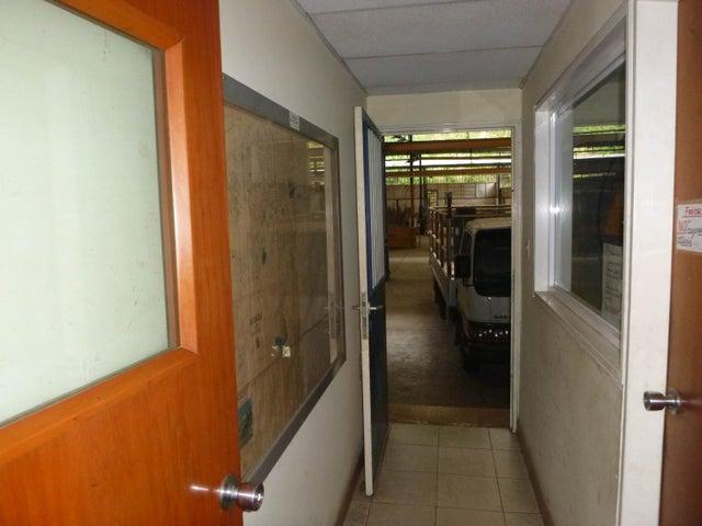 Industrial Distrito Metropolitano>Caracas>Mariche - Alquiler:543.000 Precio Referencial - codigo: 17-6210