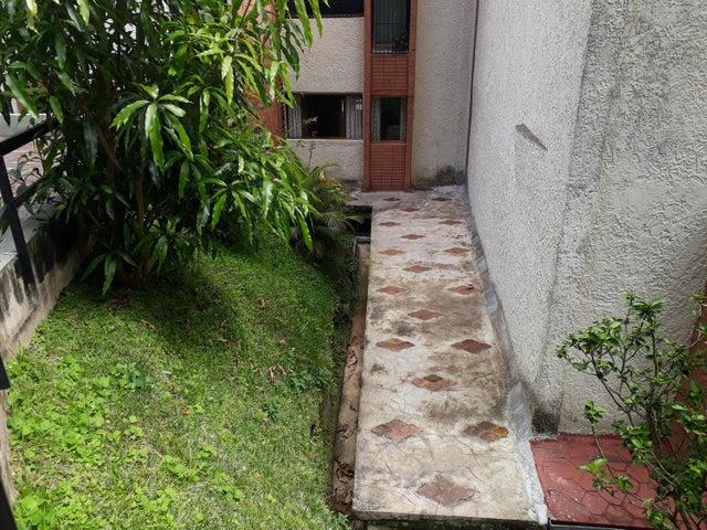 Apartamento Miranda>San Antonio de los Altos>Rosalito - Venta:75.000 US Dollar - codigo: 17-13963
