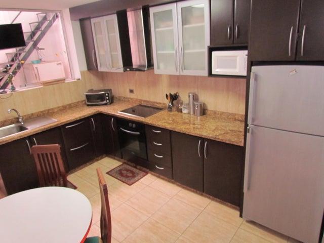 Casa Distrito Metropolitano>Caracas>Lomas de La Trinidad - Venta:95.000 Precio Referencial - codigo: 17-13824