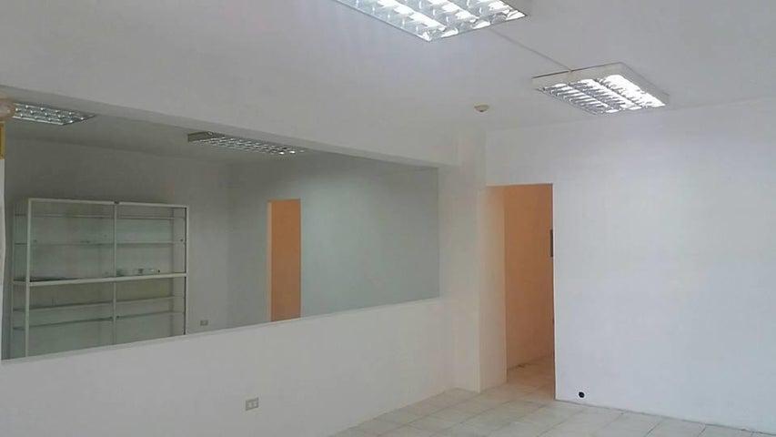 Local Comercial Aragua>Cagua>Carretera Nacional - Venta:7.949.000.000 Precio Referencial - codigo: 17-13901