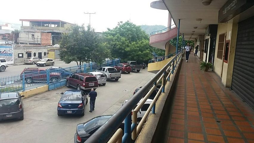 Local Comercial Aragua>Cagua>Carretera Nacional - Venta:12.700 US Dollar - codigo: 17-13901