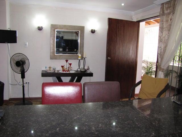 Casa Vargas>La Guaira>Macuto - Venta:13.133.000 Precio Referencial - codigo: 17-13967