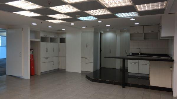 Oficina Distrito Metropolitano>Caracas>El Rosal - Venta:438.004.000 Precio Referencial - codigo: 16-15515