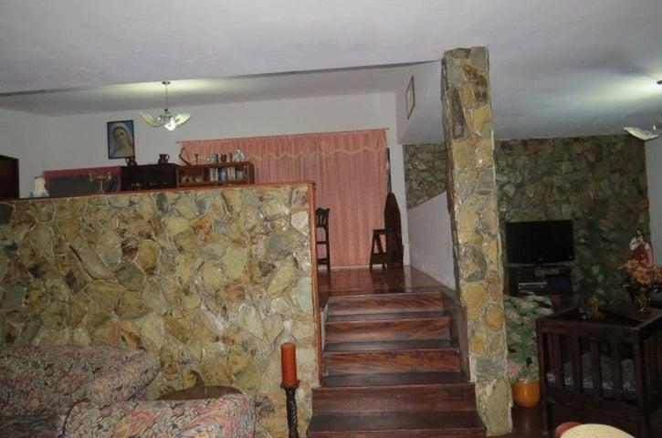Casa Miranda>Carrizal>Colinas de Carrizal - Venta:450.000 Precio Referencial - codigo: 17-15281