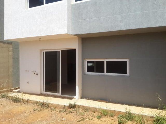 Casa Falcon>Coro>Terraluna - Venta:32.000 US Dollar - codigo: 17-14024
