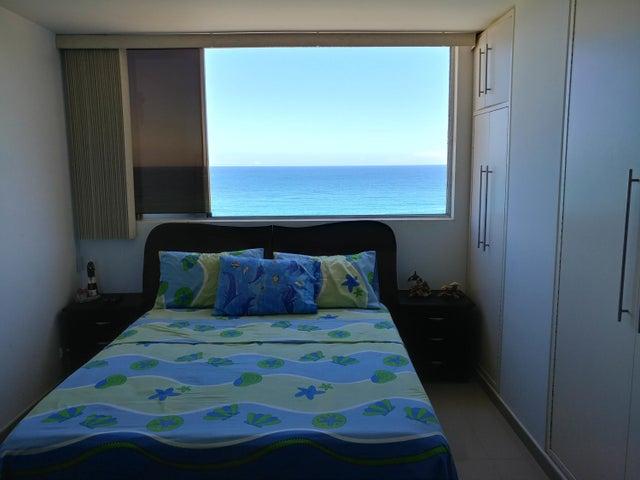 Apartamento Vargas>La Guaira>Caraballeda - Venta:275.773.000 Precio Referencial - codigo: 17-15363