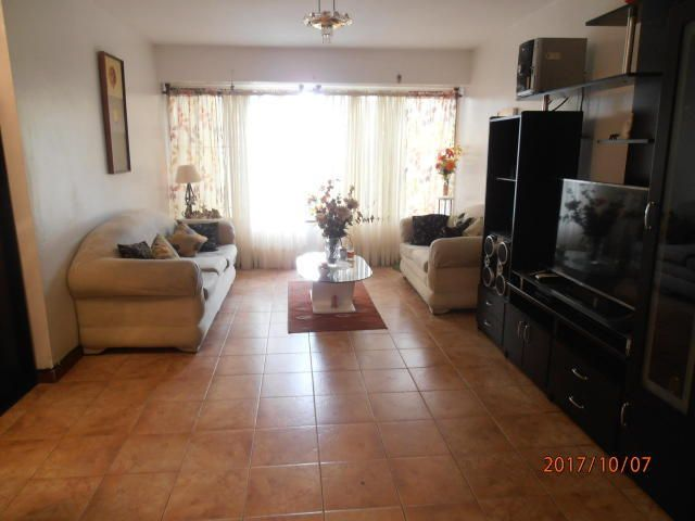Apartamento Distrito Metropolitano>Caracas>Los Chaguaramos - Venta:7.921.000.000 Bolivares Fuertes - codigo: 17-14606