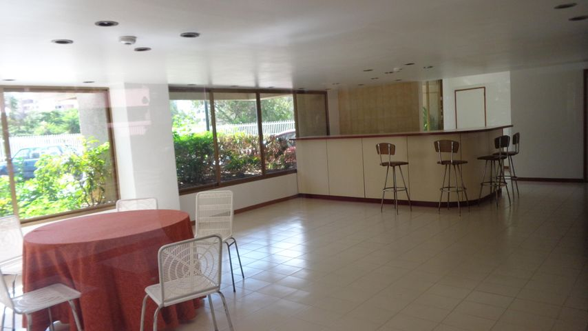 Apartamento Distrito Metropolitano>Caracas>Terrazas del Avila - Venta:44.894.000.000 Precio Referencial - codigo: 14-11973