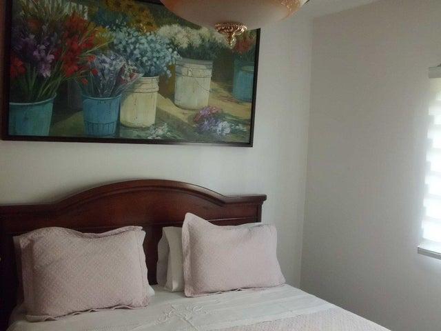 Apartamento Distrito Metropolitano>Caracas>La Castellana - Venta:175.000 Precio Referencial - codigo: 17-14197