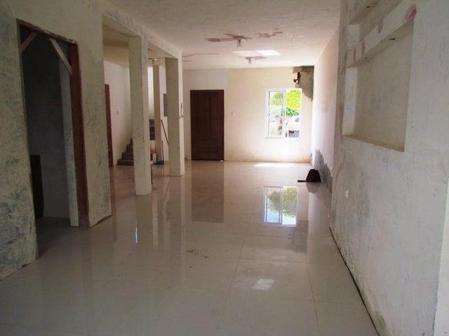 Townhouse Zulia>Maracaibo>Avenida Milagro Norte - Venta:30.000 US Dollar - codigo: 17-14211