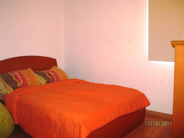 Apartamento Distrito Metropolitano>Caracas>Colinas de La Tahona - Venta:59.500 US Dollar - codigo: 17-14256