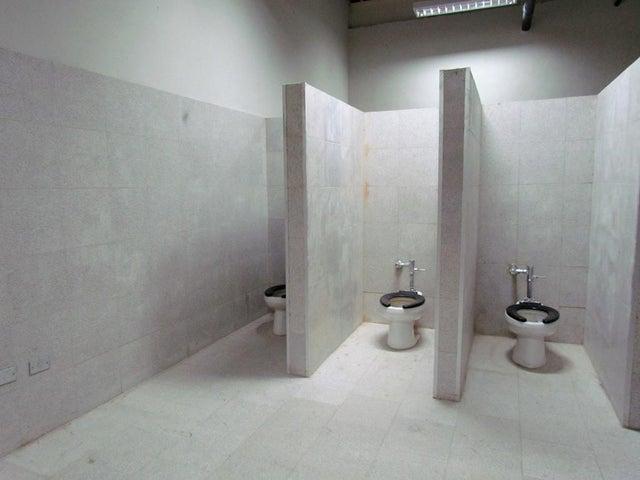 Edificio Miranda>San Antonio de los Altos>El Carrizal - Venta:7.000.000 Precio Referencial - codigo: 17-14348