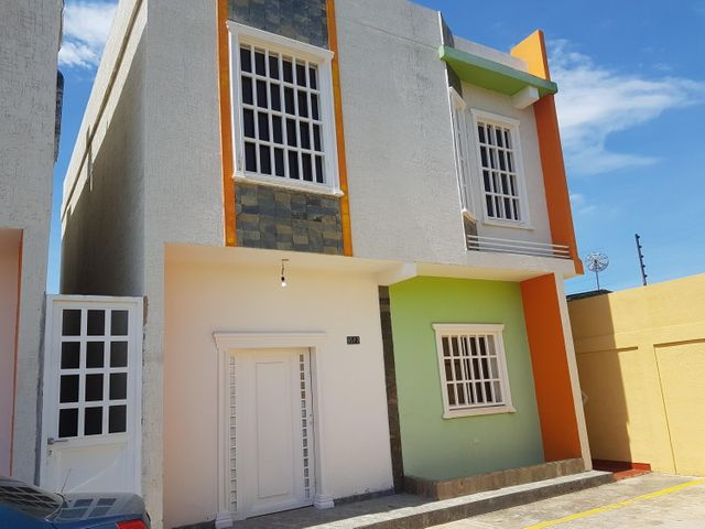 Townhouse Zulia>Cabimas>Casco Central - Venta:40.000 US Dollar - codigo: 17-14356