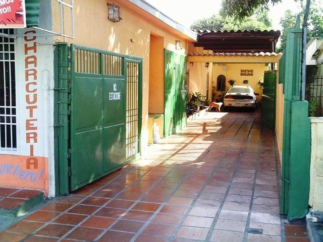 Casa Zulia>Maracaibo>18 de Octubre - Venta:8.225.000.000 Bolivares Fuertes - codigo: 17-14436