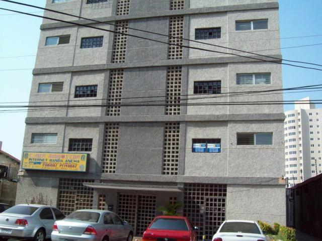 Apartamento Zulia>Maracaibo>Avenida Bella Vista - Venta:107.892.000.000 Precio Referencial - codigo: 17-14485